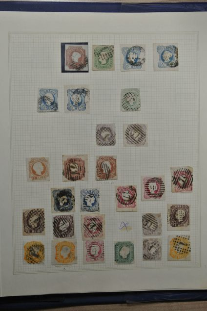 Stamp collection 24718 Portugal 1853-1945.