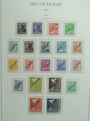 Stamp collection 27032 Berlin 1948-1990.