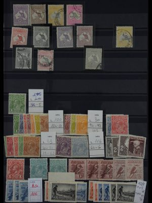 Stamp collection 27618 Australia 1912-1966.