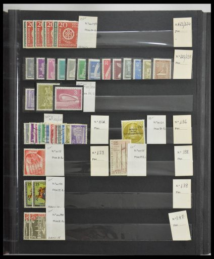 Stamp collection 28135 Berlin 1950-1983.
