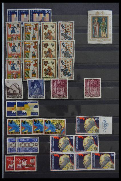 Stamp collection 28476 Liechtenstein.