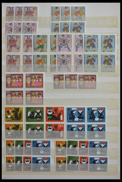 Stamp collection 28487 Bundespost.