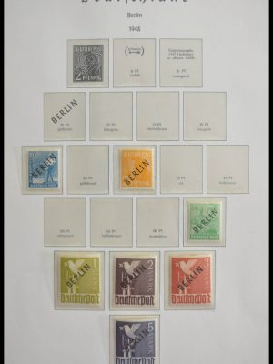 Stamp collection 28605 Berlin 1948-1990.