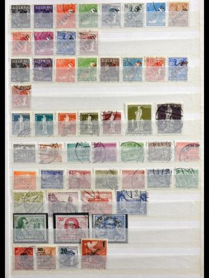 Stamp collection 29740 Berlin 1948-1990.
