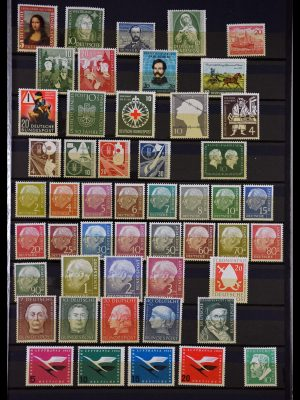 Stamp collection 29747 Bundespost 1952-1997.