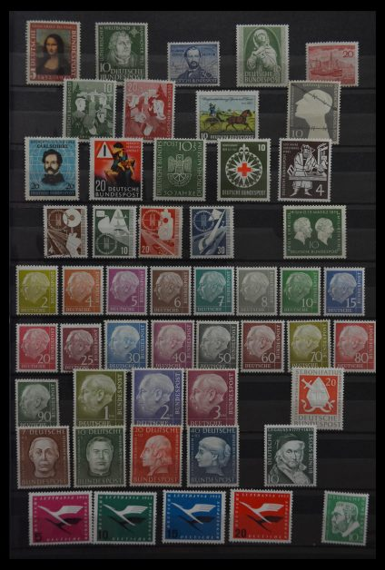 Stamp collection 29748 Bundespost 1952-1997.