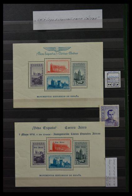 Stamp collection 29816 Spanish civil war 1936-1938.