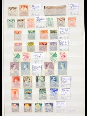 Stamp collection 30023 Netherlands 1924-1975.