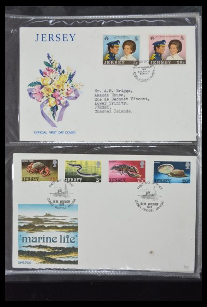 Stamp collection 30137 Channel Islands FDC's till 2011.