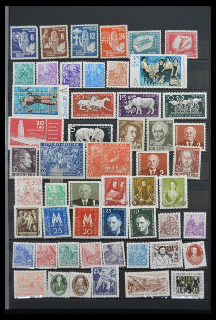 Stamp collection 30157 DDR 1948-1980.