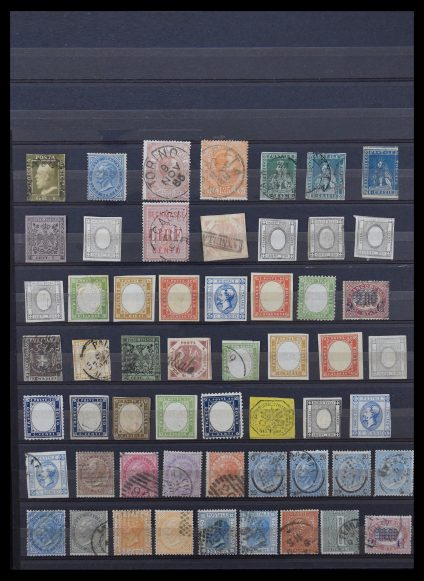 Stamp collection 30374 Italy classic.