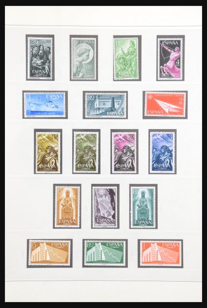 Stamp collection 30823 Spain 1956-1985.