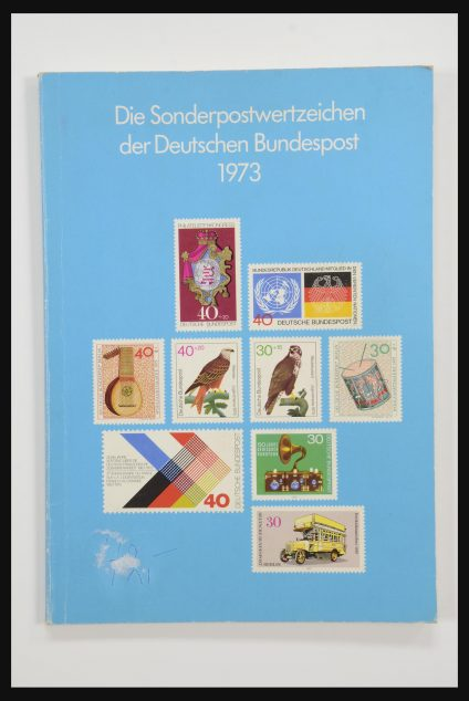 Stamp collection 31834 Bundespost yearbooks 1973(!)-1999.