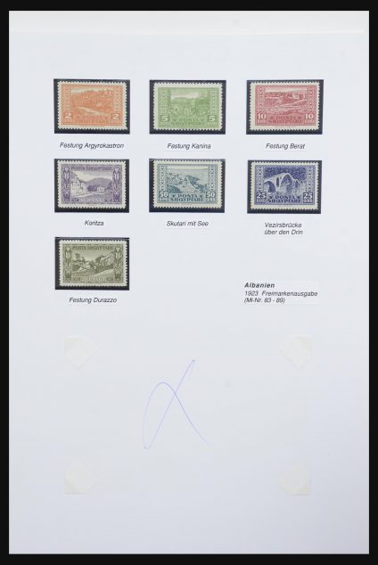 Stamp collection 32022 Albania 1922-1943.