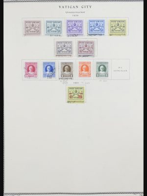 Stamp collection 32043 Vatican 1929-1991.